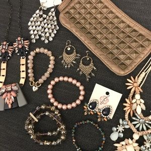 Jewelry LOT--pink n pretty glamset!
